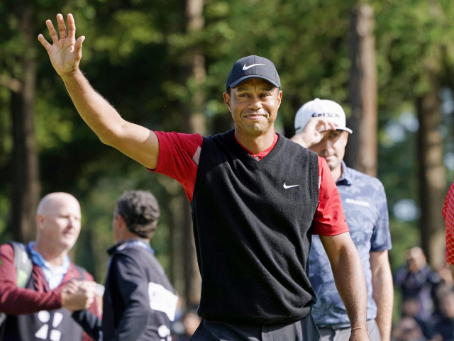 ▲ Tiger Woods celebrates to win the final round of the Zozo Championship, a PGA Tour event, at Narashino Country Club in Inzai, Chiba Prefecture, east of Tokyo, Japan October 28, 2019, in this photo released by Kyodo. Mandatory credit Kyodo/via REUTERS ATTENTION EDITORS - THIS IMAGE WAS PROVIDED BY A THIRD PARTY. MANDATORY CREDIT. JAPAN OUT. NO COMMERCIAL OR EDITORIAL SALES IN JAPAN.