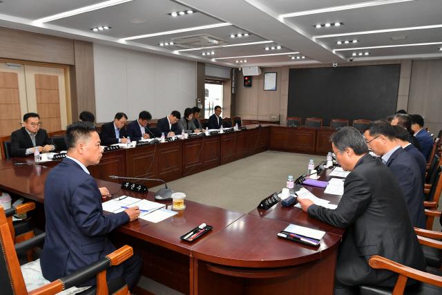 ▲ 정선군은 5일 군청에서 지방재정 신속집행 긴급 대책 보고회를 가졌다.