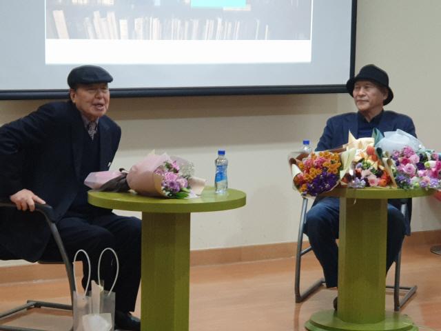 ▲ 지난 달 열린 전상국,이상국 두 작가의 북콘서트 '상국' 개최 모습.