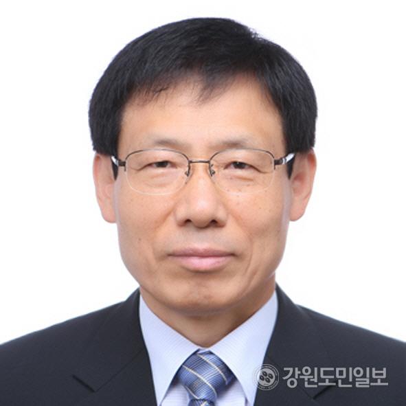 ▲ 이민찬 춘천고 총동문회장