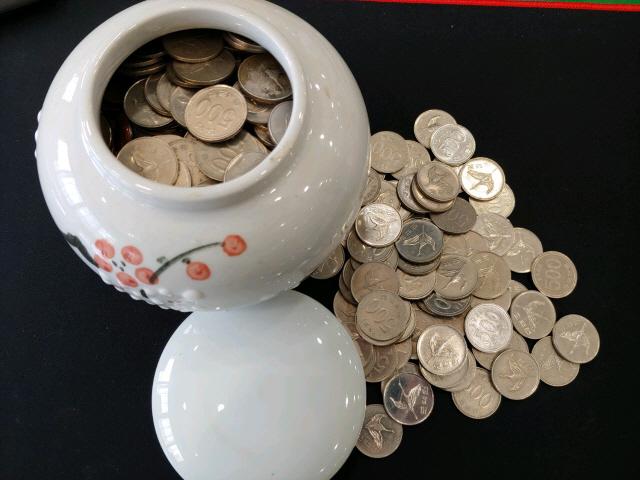 ▲ 독거노인이 전달한 동전 항아리.