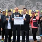 사이클 세계챔피언 '평화의 벽·통합의 문' 두드리다