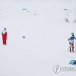 우리 선수 응원하는 북한 코치진 화제