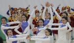 북한 응원단, 도민에 깜짝 이벤트