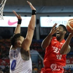 프로농구 SK, 76.2% 확률 잡았다…KCC 꺾고 4강 1차전 승리