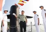 핵잠수함 시찰하는 시진핑