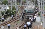 오사카 규모 6.1 지진 도시기능 마비