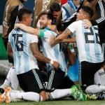 '메시 선제골' 아르헨티나, 로호 결승 골로 극적인 16강