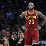 '킹' 르브론 제임스, 레이커스 유니폼 입는다…4년 계약