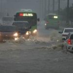 폭염 이어 폭우