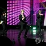BTS, 유럽 '문화수도' 파리서 예비무대…카리스마로 압도