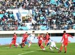 남북 청소년 뜨거운 경기·포옹, 축구로 하나됐다