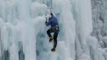 시간이 얼어붙은 한겨울 폭포 '서있는 아이스링크' 빙벽 스릴 만끽