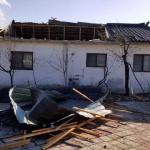 지붕 날린 강풍