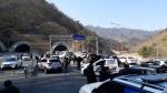 제2영동고속도로 14중 추돌사고, 뒤엉킨 차량