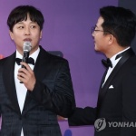 """경찰 """"'1박2일' 출연자 단톡방 분석중""""…'내기골프' 의혹도 수사"""