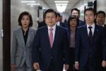 文대통령, 이미선 헌법재판관 임명…한국당 강력반발