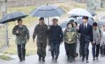 4·27 1주년 맞아 DMZ 간 文대통령…소원카드에 '평화가 경제다'