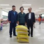 사북시장·로타리 클럽 쌀 전달