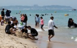 피서객 북적이는 동해안 해수욕장