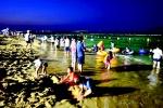 도내 첫 야간 개장 속초 해수욕장 '북적'