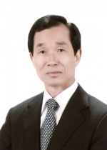 [새의자] 김시현  민주평통 횡성군협의회장