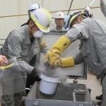 동해항서 일본산 폐기물 첫 전수 조사