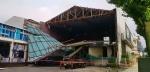 태풍에 외벽 뜯긴 춘천 육림극장