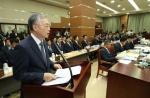 장외 세대결 이후 더 격렬해진 조국 국감…법사위 '난타전'