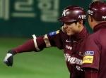 김하성 연장 11회 결승 2루타…키움, KS 진출 79% 확률 잡았다