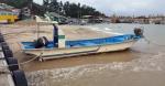태풍 지나간 신남항구 쌓인 모래 4만t, 고깃배 발목