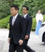 日아베, 야스쿠니에 또 공물…'韓매춘관광' 발언 영토상은 참배