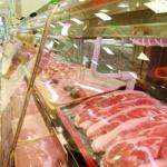 돼지열병 불안감에 돼지고기 도매가 2800원대로 '뚝'