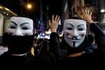 """홍콩 복면금지법 위헌결정 파문…中 """"도전 행위"""" 발끈"""