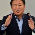 이재수 춘천시장 관용차에 '1500만원 안마시트' 설치 논란