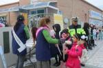 양구자원봉사센터 어린이 투명안전우산 배부