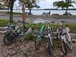 곳곳 녹슬고 망가진 자전거 방치,관광객 눈살