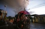 필리핀 탈 화산 폭발로 마닐라 공항, 무기한 운항 중단
