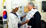 에티오피아 참전용사 손녀들, 할아버지 전우 만났다