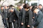 문 대통령, 제주 4·3 추념식 2년만에 참석…희생자들 기려